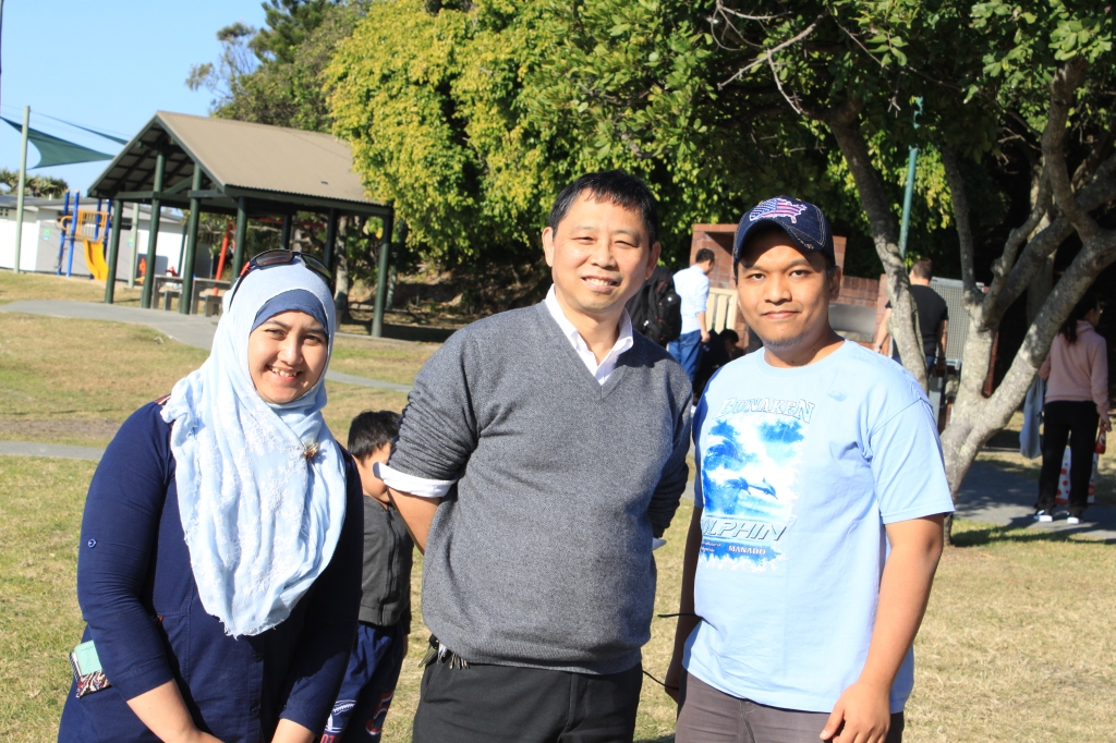 Foto bersama Prof. Xue Li (bang bos). Fikri dibelakang yang susah diajak foto bareng.